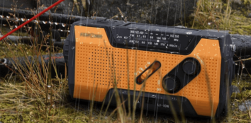 Solar powered radio featured image